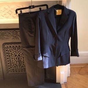 Woman pant suit